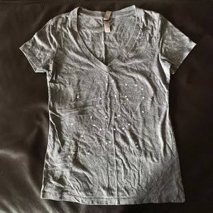 """Soft grey v-neck tee with """"P"""" constellation."""
